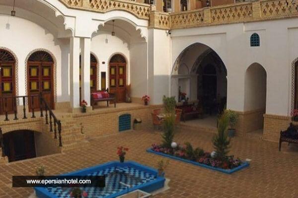 هتل اقامتگاه سنتی آمیرزا کاشان